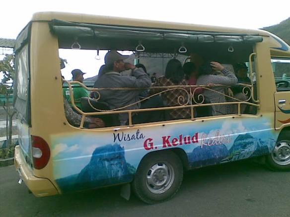 Mobil wisata kelud.jpg