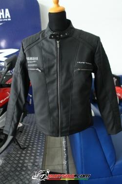 Sedikit detail Jaket Yamaha YZF-R25.