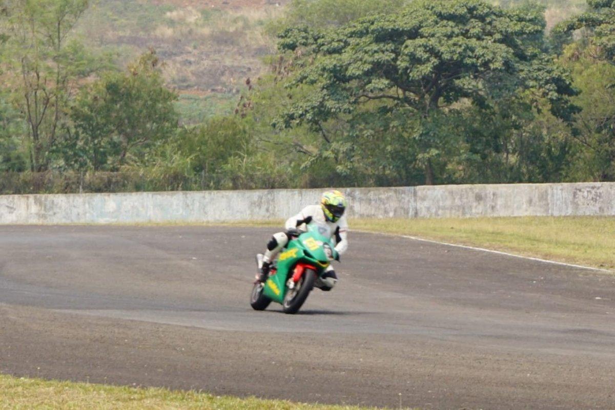 Komunitas Honda Jatim juarai Indonesia CBR Race Day Seri ke 2 Di sentul